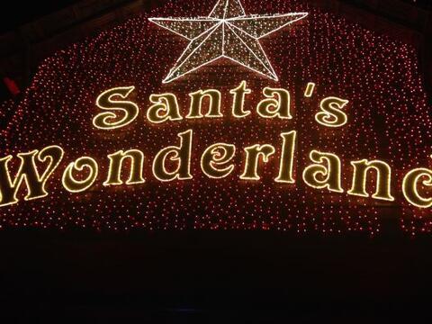 Santa Claus se mudó a Texas y armó su país de las maravillas al estilo d...
