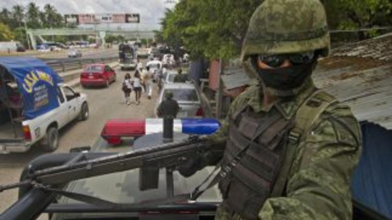 Miembros del Ejército mexicano realizaron una revisión a policías munici...