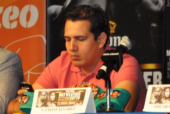 Eddie Reynoso, entrnador de Saúl Alvarez no habló, aunque luego dejó sus...