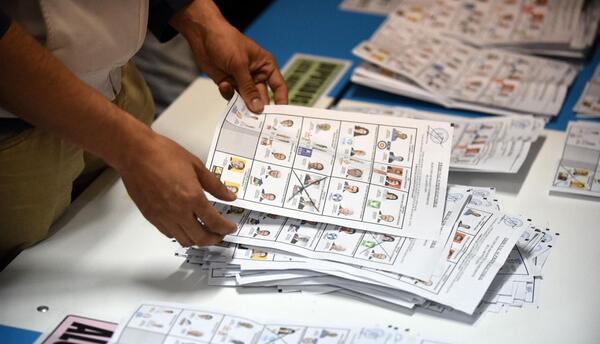 Guatemala decidirá presidencia en la segunda vuelta
