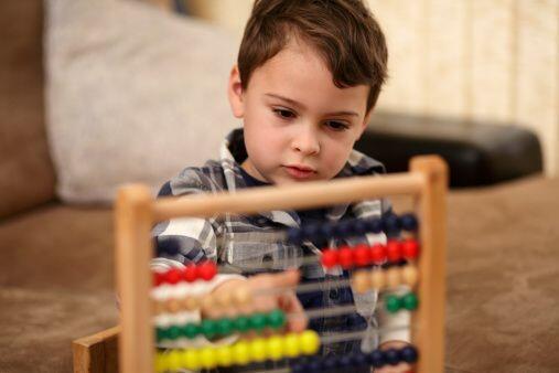 Síntomas- Algunos bebés muestran indicios de problemas en sus primeros m...