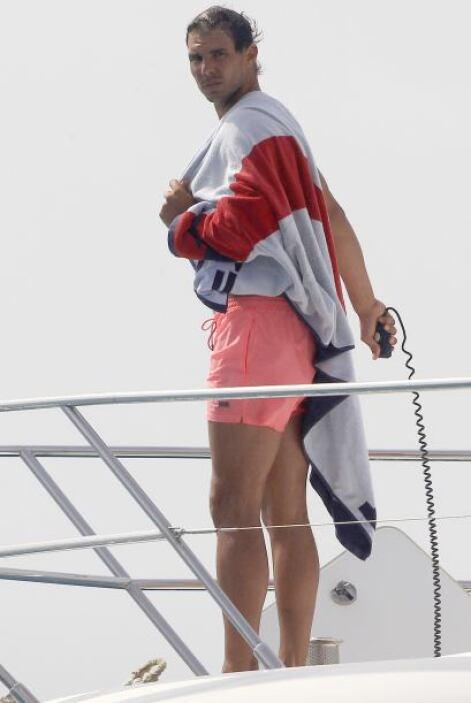 El tenista se compró un nuevo yate y lo presume en costas de España.
