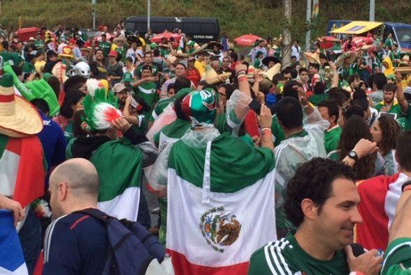 Ningún mexicano en Brasil se podía perder este partido.