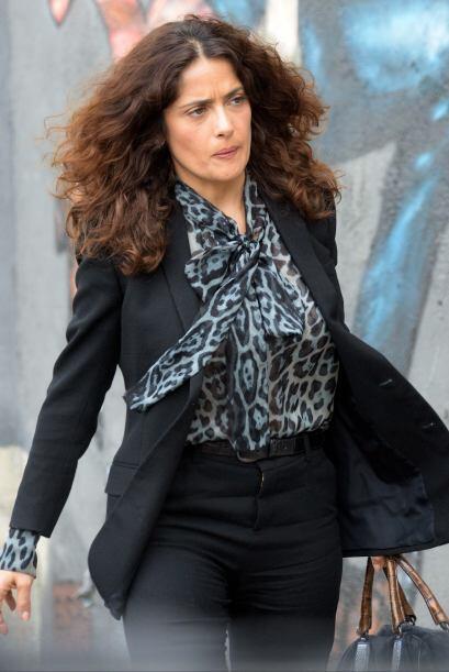 El cabello de Salma se vio muy alborotado y tal parece que ya le hace fa...