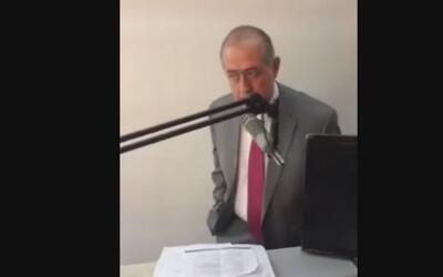 Alcalde mexicano pide ayuda a su pueblo llorando y denuncia ser víctima...