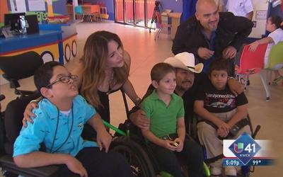 Talentos de Univision llaman a ayudar al Crit