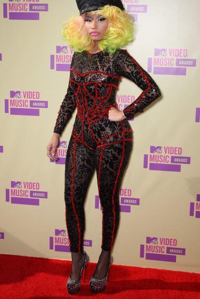 Deberían de desaparecer estos 'outfits' tan ridículos como el de Nicki M...