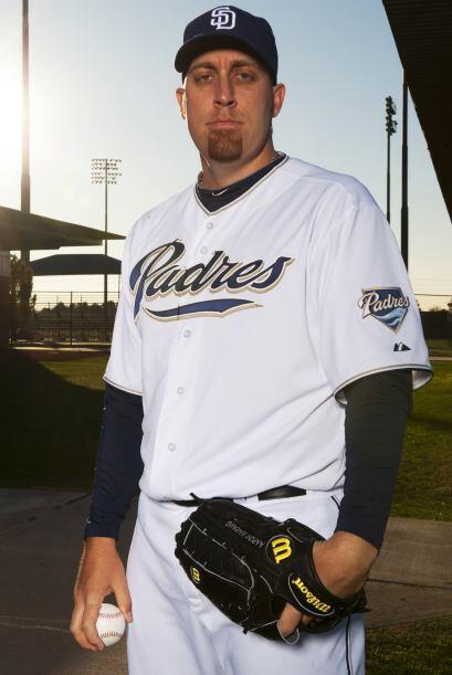 El pitcher abridor Aaron Harang llegó a los Padres de San Diego, el 6 de...