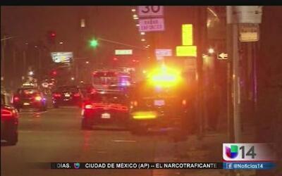 Mujer policía es víctima de tiroteo en Oakland