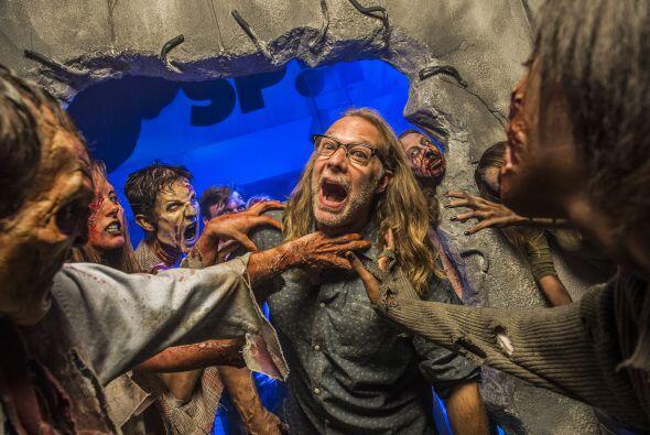 Mientras tanto, en Orlando las Noches de Horror de Halloween hacen vivir...