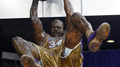 El miembro del Salón de la Fama de la NBA, Shaquille O'Neal, fue...
