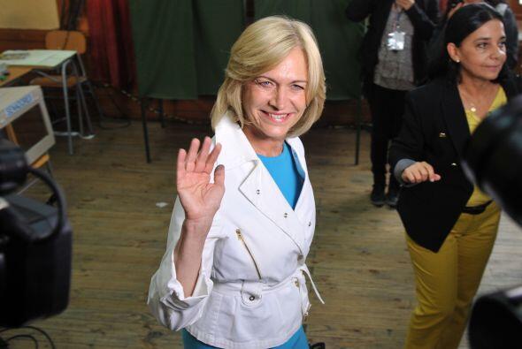 La candidata presidencial de la gobernante Alianza por Chile, Evelyn Mat...