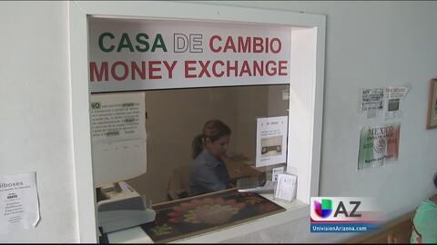 Aumento del precio del dólar en México afecta a comercios de Arizona