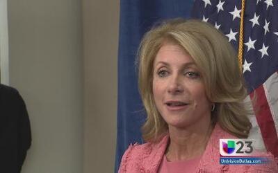 Wendy Davis pide dinero para profes texanos