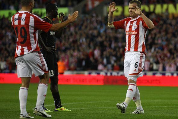 El equipo de la Liga inglesa no tuvo piedad y se impuso por categórico 4-1.