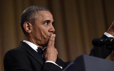 Obama, el comediante, hasta lanzó el micrófono en la útima cena con la p...
