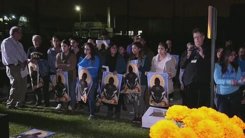 Realizan vigilia para honrar la memoria de inmigrantes indocumentados qu...