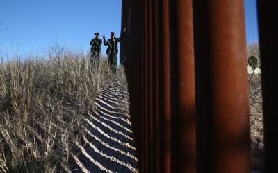 Agentes de la Patrulla Fronteriza en Nogales, Arizona