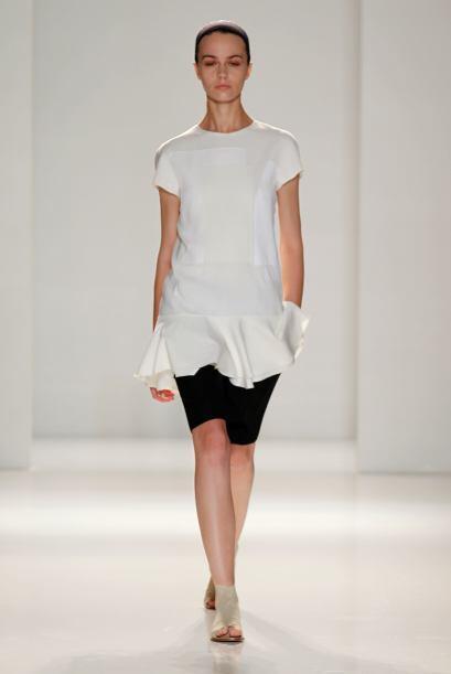 Suaves holanes son los detalles que sobresalen en piezas como blusas o v...