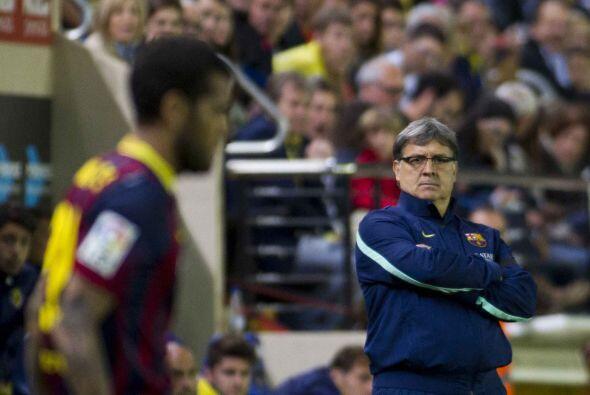 Para el segundo tiempo, el Barcelona seguía flotando en el campo, y su t...