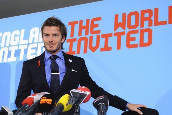 Antes de comenzar a dialogar con los periodistas, David permitió que le...