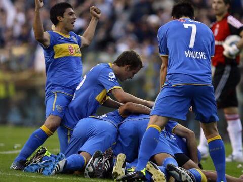 Boca ganó por 2-0 el clásico del fútbol argentino q...