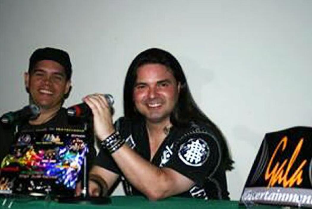 """Ahora Sergio tiene una banda de rock llamada """"Top Jimmies"""". ¿Cómo se ve..."""