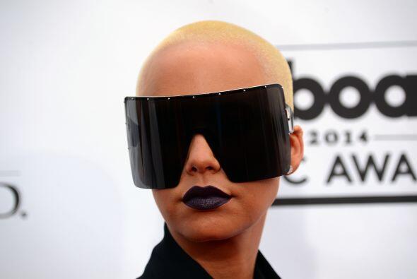 ¡Qué lentes tan gigantescos, Amber Rose! ¿Para verte...