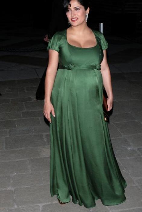 Salma Hayek sí que aumentó de peso durante sus nueve meses de gestación....