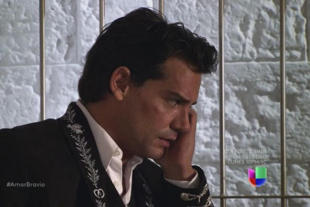 Daniel se comunica con Miriam al ver que lo ha llamado antes y él no res...