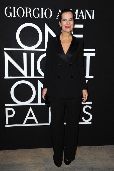 La mano derecha de este creador de moda italiano, Roberta Armani, obviam...