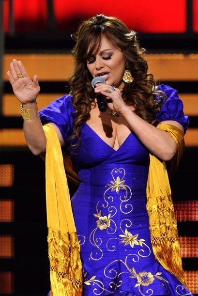 La cantante subió a la supuesta agresora al escenario y la ba&nti...