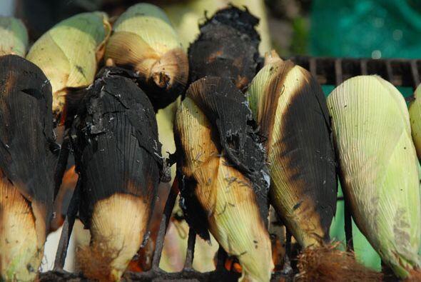 Las brasas directas son las encargadas de tostar las hojas que protegen...