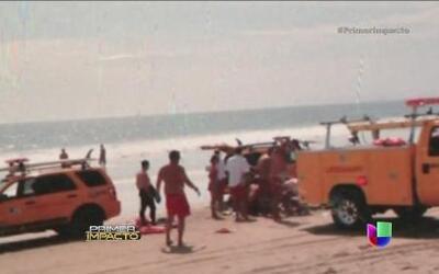 Momentos de terror en playa de California por impacto de un rayo