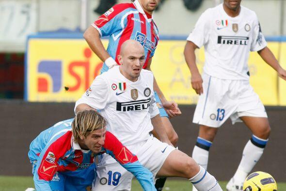 El Inter de Milán continuó con su reacción en la Se...