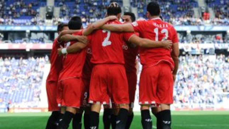 El Sevilla se dio un festín en el 'derby' sevillano.