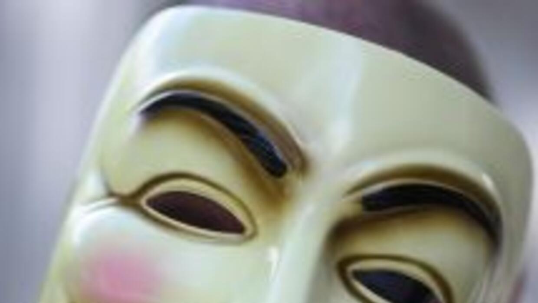 Los integrantes de Anonymous desafían a las autoridades.