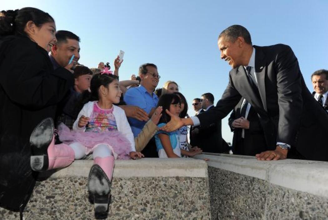 La encuesta señala un empate estadístico con Obama entre las mujeres y l...