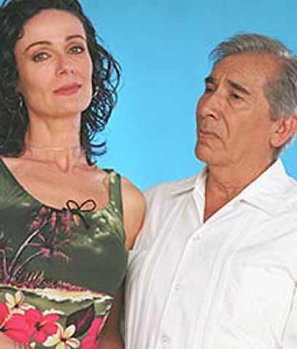 De indio a pájaroJosé Carlos Ruiz (en la foto en Las Vías Del Amor) tamb...