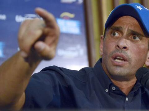 El líder opositor venezolano Henrique Capriles denunció qu...
