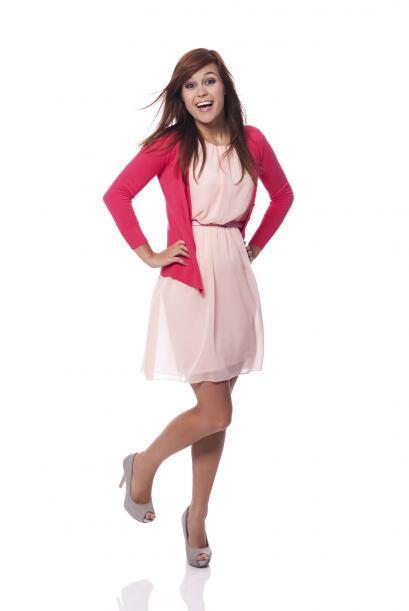 Para una cita formal. Elige un vestido en rosado intenso de un solo homb...
