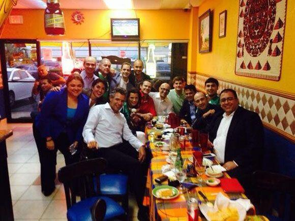 """""""¡¡¡Celebrando la victoria de México!!! &i..."""