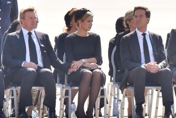 Los Reyes de Holanda rindieron honores en la ceremonia dirigida a las ví...