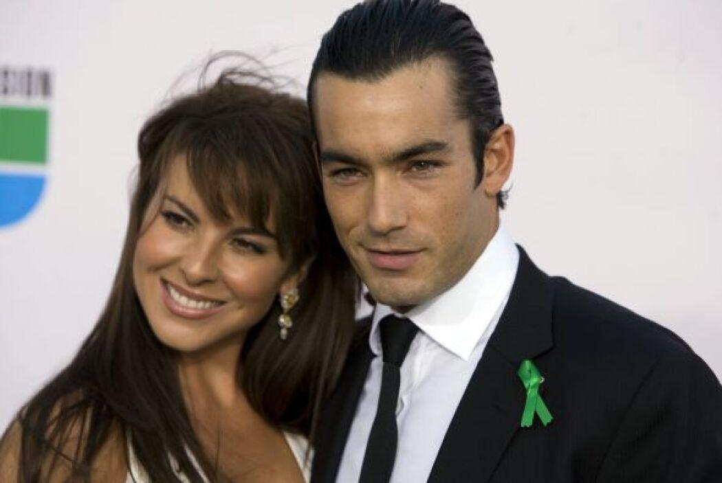 Posteriormente Kate conoció a Aarón Díaz y se enamoraron.