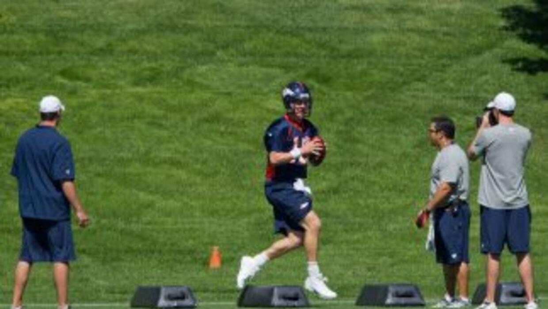 Peyton Manning quiere entenderse con sus compañeros lo antes posible.