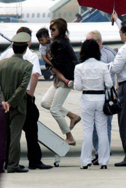 El 15 de marzo de 2007, Jolie adoptó a Pax, quien nació el 29 de noviemb...