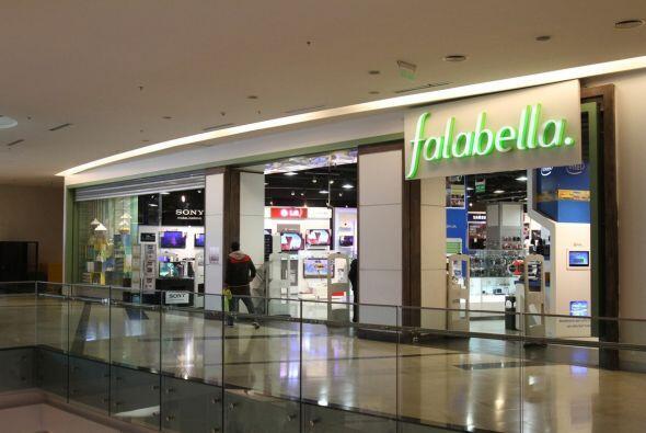 4. FALABELLA. Estas tiendas departamentales chilenas son estimadas en un...