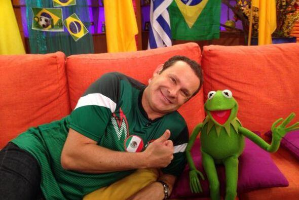 """Feliz en @DespiertaAmeric con Kermit ... La rana rene!! Yupiiiiii ... V..."