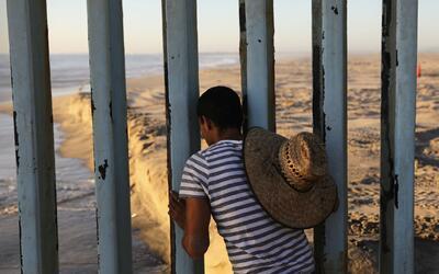 Corte ordena que menores detenidos en la frontera sean liberados a travé...