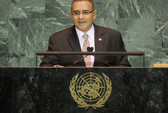 A nombre del presidente Mauricio Funes, la Asamblea Legislativa rindió u...